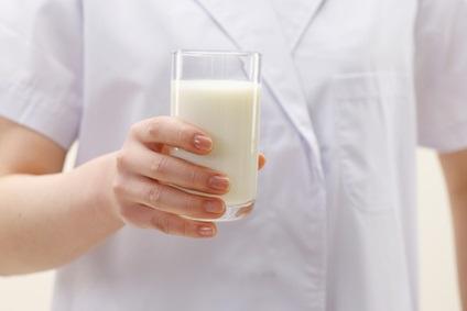 Le lait consommé, ici avec des céréales pour petit-déjeuner réduit la concentration postprandiale de glucose dans le sang