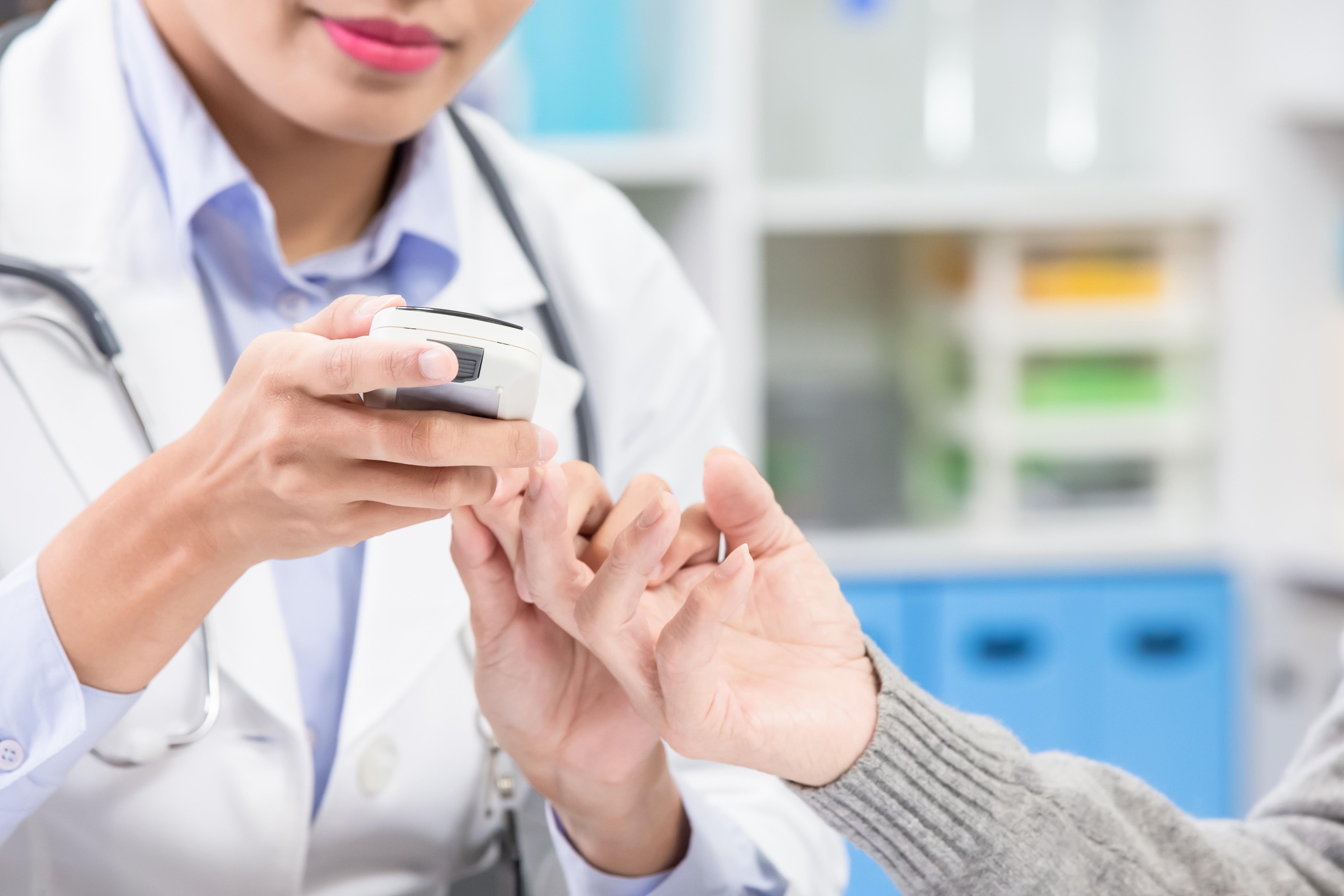 2 nouveaux groupes de médicaments prescrits principalement pour le traitement du diabète de type 2 (les inhibiteurs du SGLT2 et les analogues du GLP-1) pourraient réduire considérablement les risques associés à l'insuffisance rénale chronique (IRC) et aux maladies cardiaques (Visuel Adobe Stock 277500131)